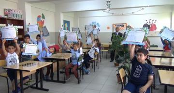 Öğrenciler karnelerini aldı