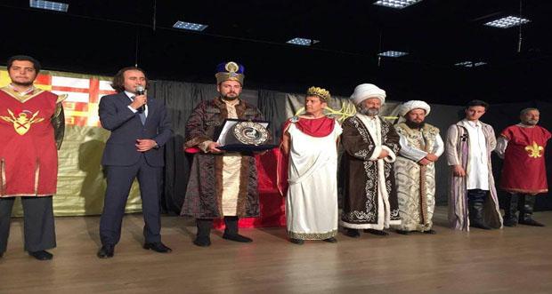 'Her Bizans'a Bir Fatih' adlı tiyatro gösterimi büyük ilgi gördü