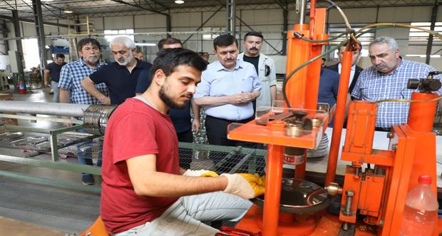 Ali Arslantaş, OSB'de Faaliyet Gösteren Fabrikalarda İncelemede Bulundu