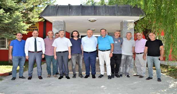 Rektör Prof. Dr. Akın Levent Anagold 24 Erzincanspor'a Ziyarette Bulundu