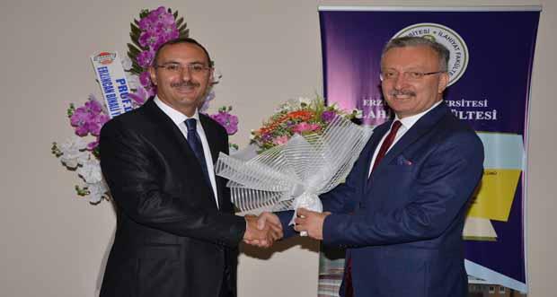 İlahiyat Faküktesi Dekanlığına Prof. Dr. İsak Emin Aktepe Atandı