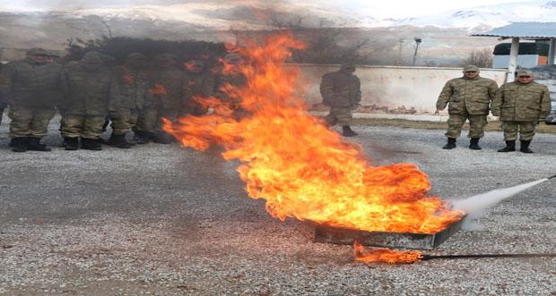 Bedelli askerlere yangın eğitimi verildi
