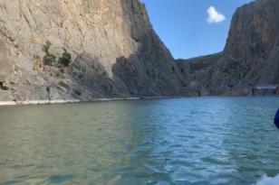 Karanlık Kanyon'da Tekne Keyfi