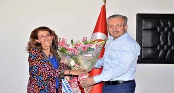 Sağlık Bilimleri Fakültesi Dekanlığına Prof. Dr. Nadiye Özer Atandı