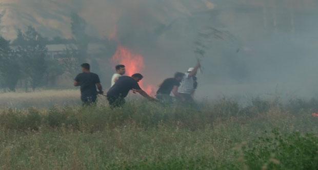 Çıkan yangın maddi hasara neden oldu