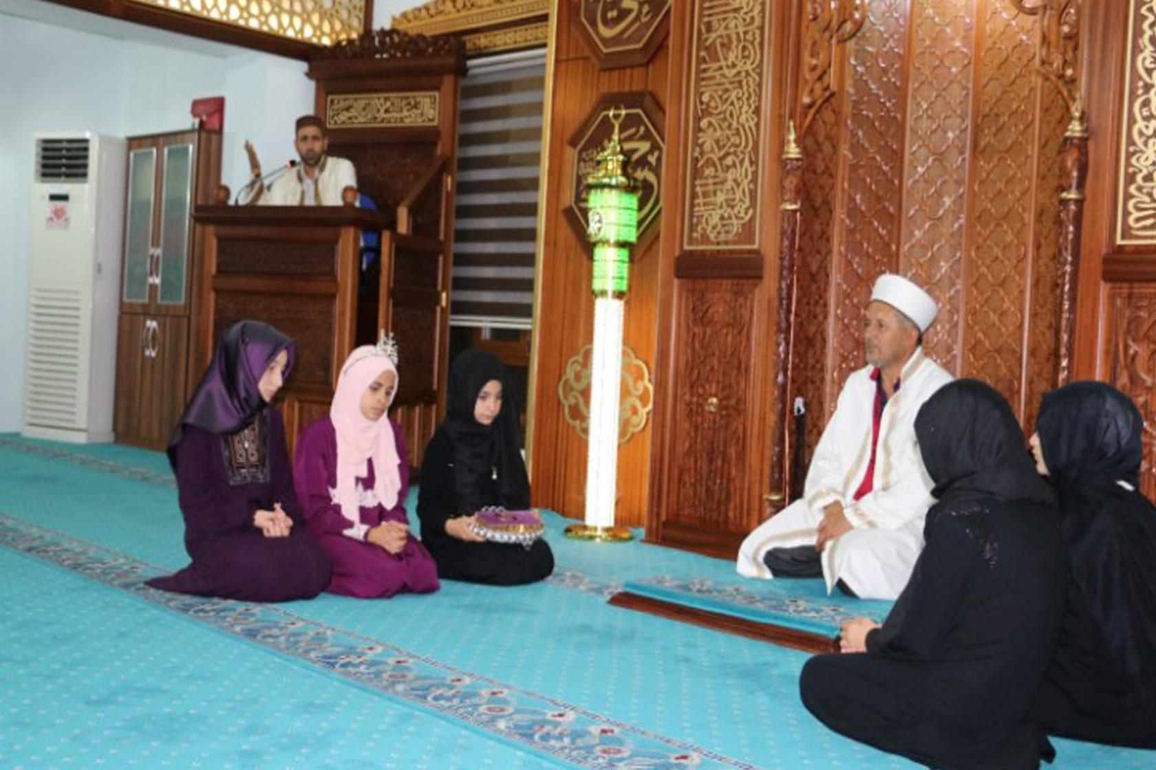 12 Yaşında Hafize, Kur'an-ı Bir Günde Hatim Etti