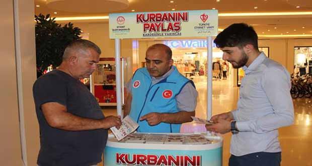 Diyanet Vakfı Erzincan Şubesinden Kurban Bağış Standı