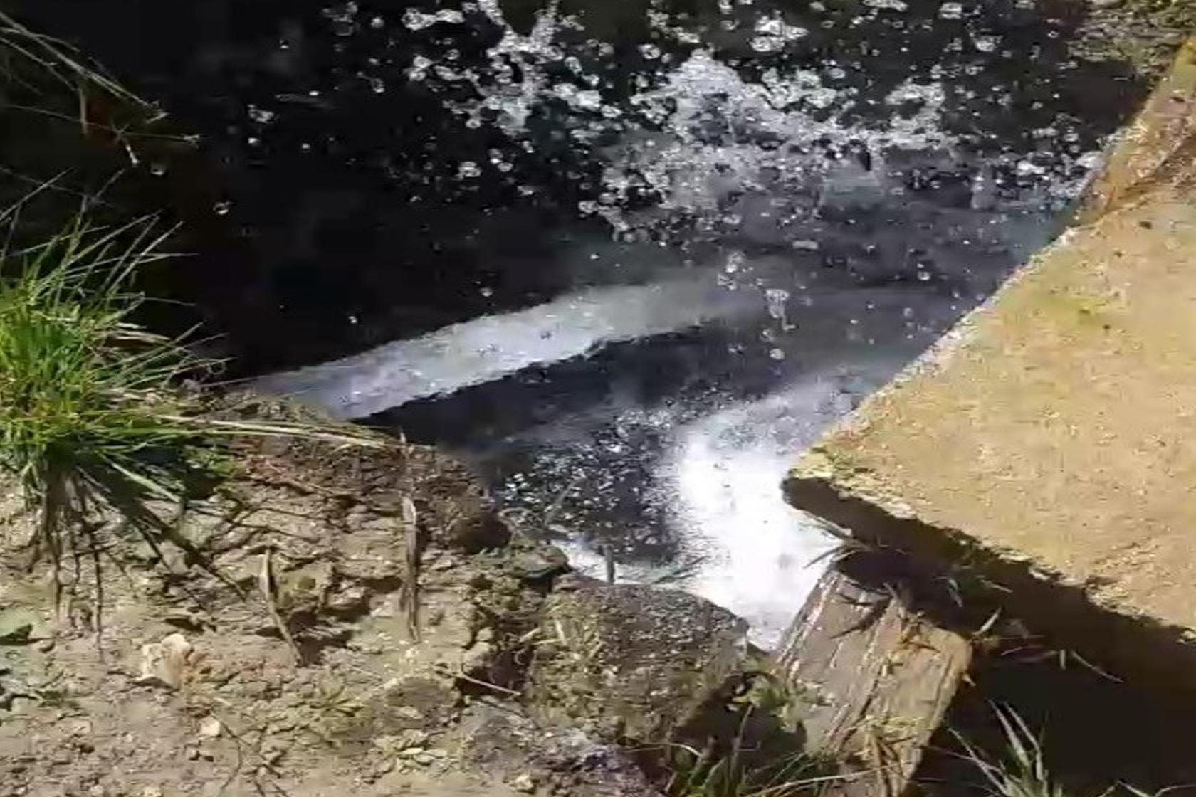 Üstü açık olan su kuyuları düşündürüyor