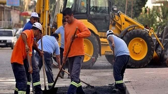 Yollar onarılmaya devam ediliyor