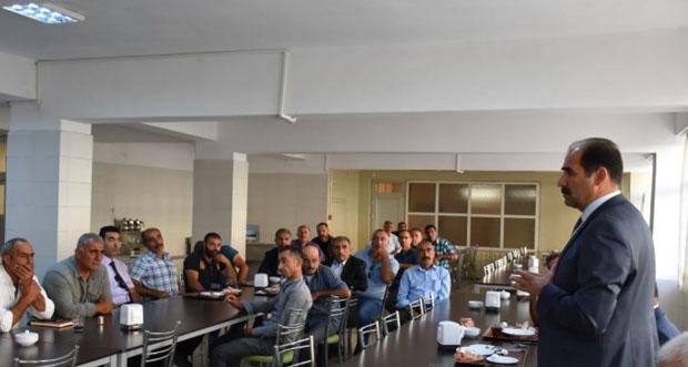 Köy Muhtarları İle Taşımalı Eğitim Toplantısı Yapıldı