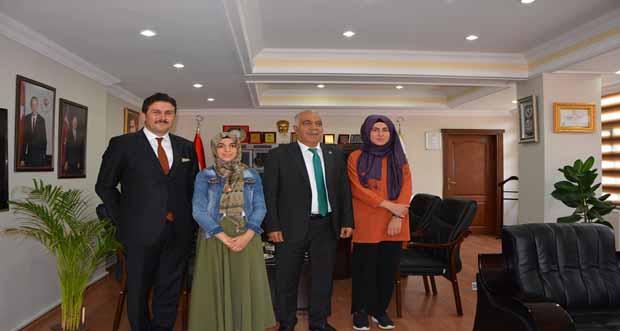 İliç Seyda Fırat Çok Programlı Anadolu Lisesi öğrencileri İliç Belediye Başkanı Mustafa GÜRBÜZ' ü makamında ziyaret ettiler