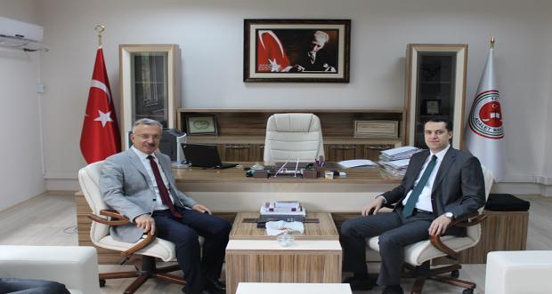 Rektörümüzden Erzincan Adli Yargı Adalet Komisyonu Başkanı Kerem Özyardımcı'ya Hayırlı Olsun Ziyareti