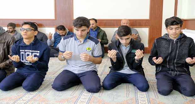 Erzincan Muhammediye Camii'nde, Barış Pınarı Harekatı için Fetih Suresi okunup dualar edildi