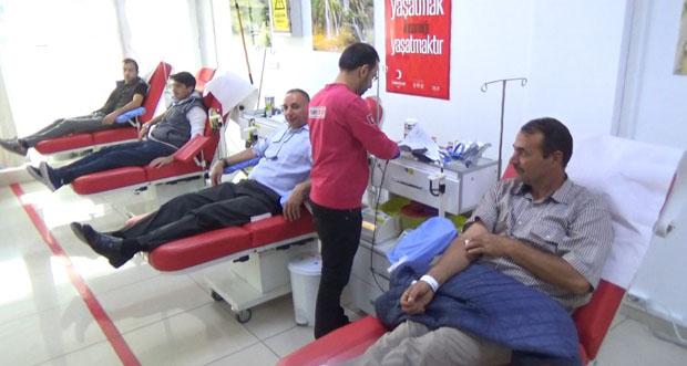 Mehmetçik için kan bağışında bulundular