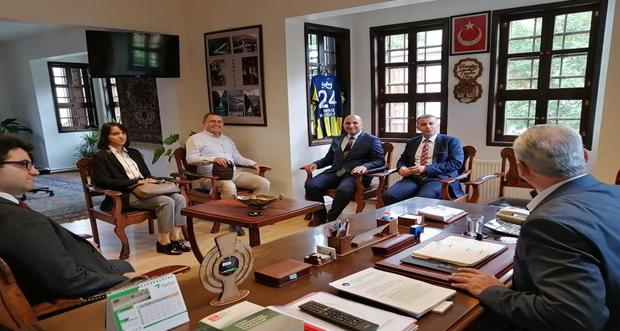 Kemaliye Belediye Başkanı Mehmet Karaman'ı makamında ziyaret ettiler