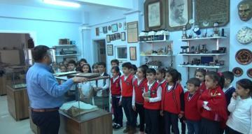 """""""Eğitim Tarihi Müzesi"""" nde geçmişi öğrendiler"""