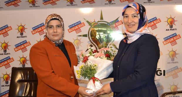 AK Parti Kadın Kollarında Devir Teslim Töreni