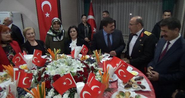 Erzincan'da 29 Ekim Cumhuriyet Bayramı Resepsiyonu Verildi