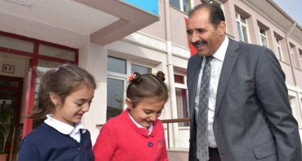 Millî Eğitim Müdürü Aziz GÜN, Ziya Gökalp İlkokulu'nu Ziyaret Etti