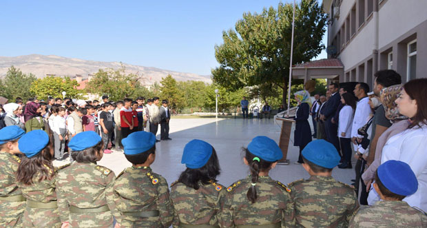 Kemah'ta Minik Öğrencilerden Barış Pınarı Harekâtına Destek