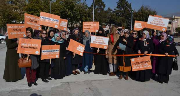 AK Parti Kadın Kolları, kadına şiddete karşı yürüdü