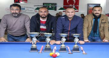 Turnuvada derece alan sporcular ödüllendirildi