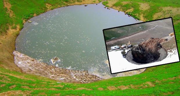 Gümüşhane Dipsiz Göl'ün suyu, define kazısı için tahliye edildi
