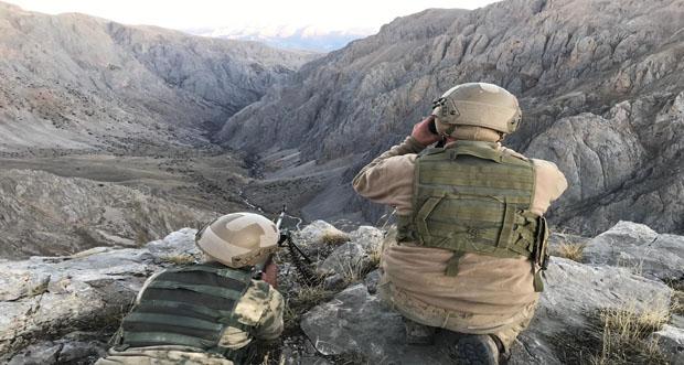 Kemah Kırsalında Jandarma Komando Timi 11) ayrı noktada (11) Sığınak İmha etti.