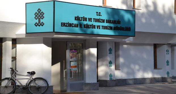 Erzincan İl Kültür Konferans Salonu Kaderine Terk Edildi