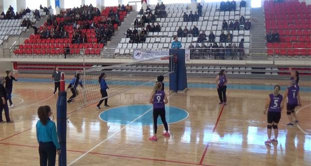 Voleybol turnuvası düzenlendi