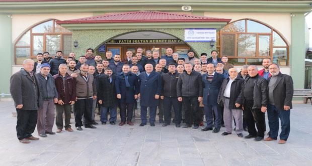 Milletvekilleri Karaman ve Çakır Sabah Namazında Gençlerle Buluştu