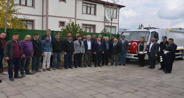 Refahiye Belediyesi, Refahiye halkına daha iyi ve kaliteli hizmet verebilmek amacıyla araç parkını güçlendirmeye devam ediyor