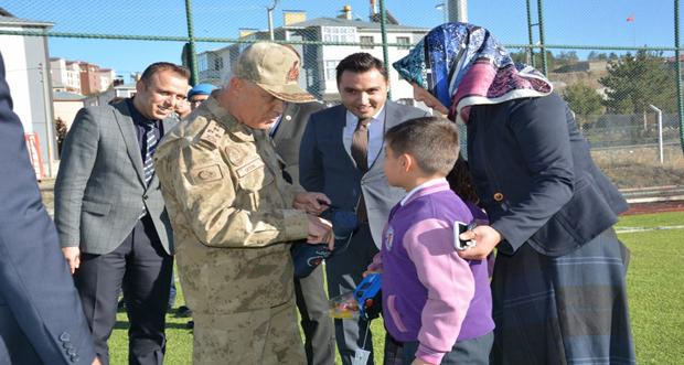 Orgeneral Arif Çetin Erzincan'ın Refahiye İlçesini ziyaret etti