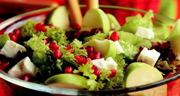 Diyetisyen ve doktorlar, günde iki kase salata ve yeşil sebze tüketilmesini tavsiye ediyor