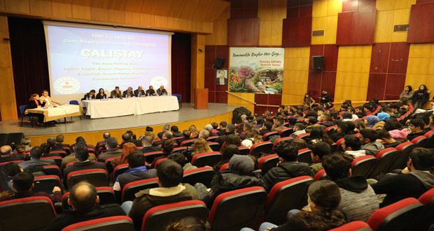 Huzur, Tatil ve Spor Şehri Tunceli`de Genç Nüfusa Dair Çalıştay Düzenlendi
