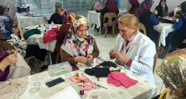 ERMEK kursları bayan kursiyerlerin katılımı ile devam ediyor