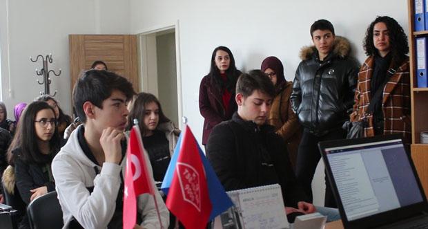 Erzincan Final Akademi Anadolu Lisesi 10. sınıf öğrencileri İtfaiye Müdürlüğüne ziyarette bulundular