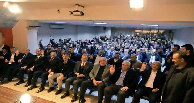 Erzincan Ak Parti Milletvekili Süleyman Karaman, teşkilat mensuplarıyla bir araya geldi