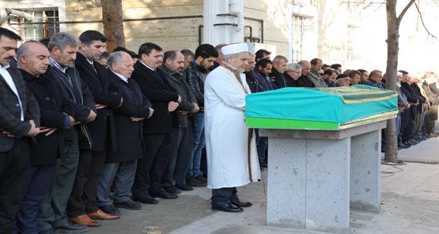 Erzincan Valisi Ali Arslantaş, Mustafa Yıldız'ın Cenaze Merasimine Katıldı