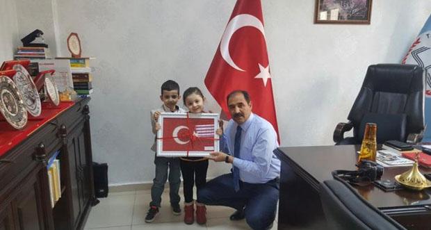 Erzincan İl Milli Eğitim Müdürü Aziz günde bir aylık maşını bağışlayarak katıldı