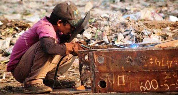 Ülkemizde 5-17 yaş grubunda ekonomik faaliyette çalışan çocuk sayısı 720 bin kişi oldu