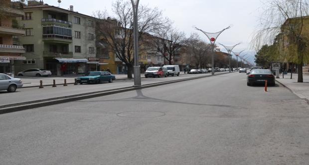 Erzincan'da Koronavirüs (covid-19 ) salgını nedeniyle halk 'evde kal' çağrısına uydu