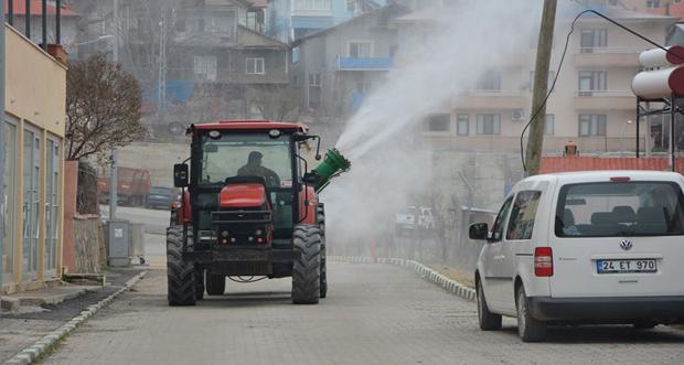 Erzincan'ın İliç İlçesinde Dezenfekte Çalışmalar Devam Ediyor