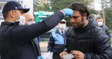 İstanbul Kartal Belediyesi'nden Semt Pazarlarında Maske Dağıtımı