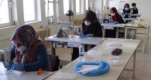 Otlukbeli Belediyesi Halka Maske Üretimine Başladı