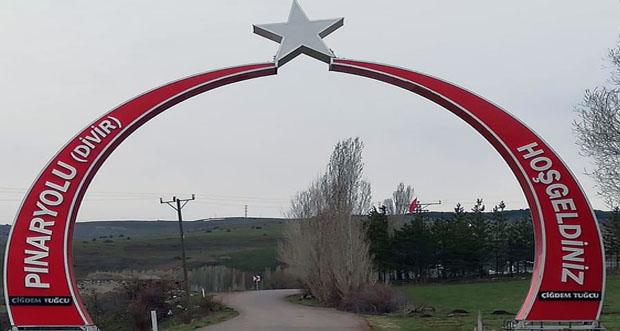 Pınaryolu Köyü 'Ay yıldız' ile karşılıyor