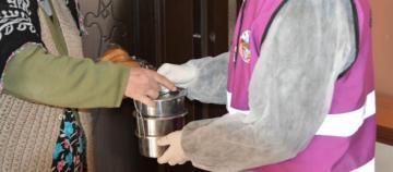 Tunceli Belediyesi Sıcak Yemek Dağıtımına Başladı