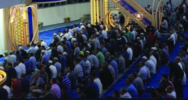 Cuma günü camiler cemaatine açılıyor