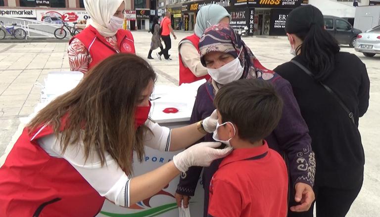 Çocuklar için figürlü maskeler hazırlandı