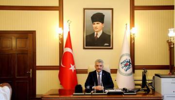 Erzincan Valisi Mehmet Makas Babalar Günü münasebetiyle bir kutlama mesajı yayımladı